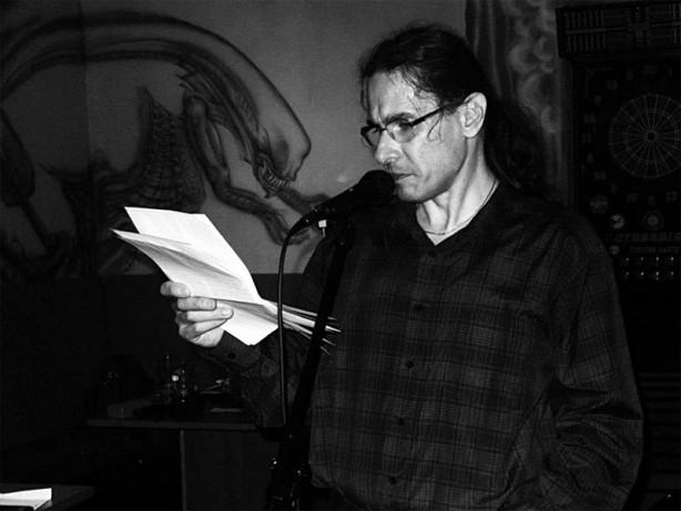 Emir Chali jako básník, bar Triangolo Zvolen, duben 2013