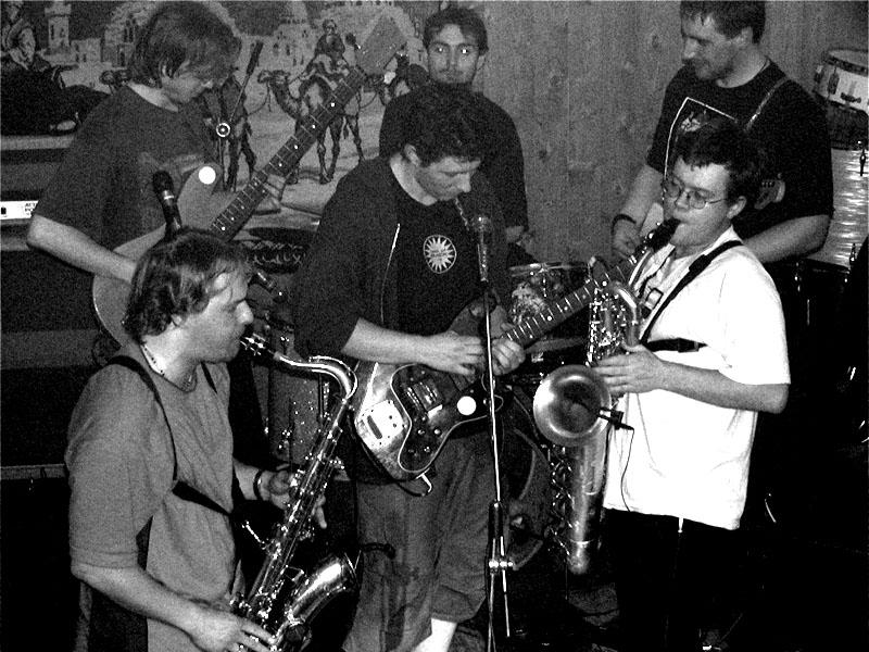 Betonovej Pes. Koncert v Baldově (Brno-Přízřenice), 28. března 2003