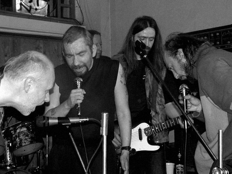 Idiot Crusoe. Koncert v Baldově (Brno-Přízřenice), 28. března 2003