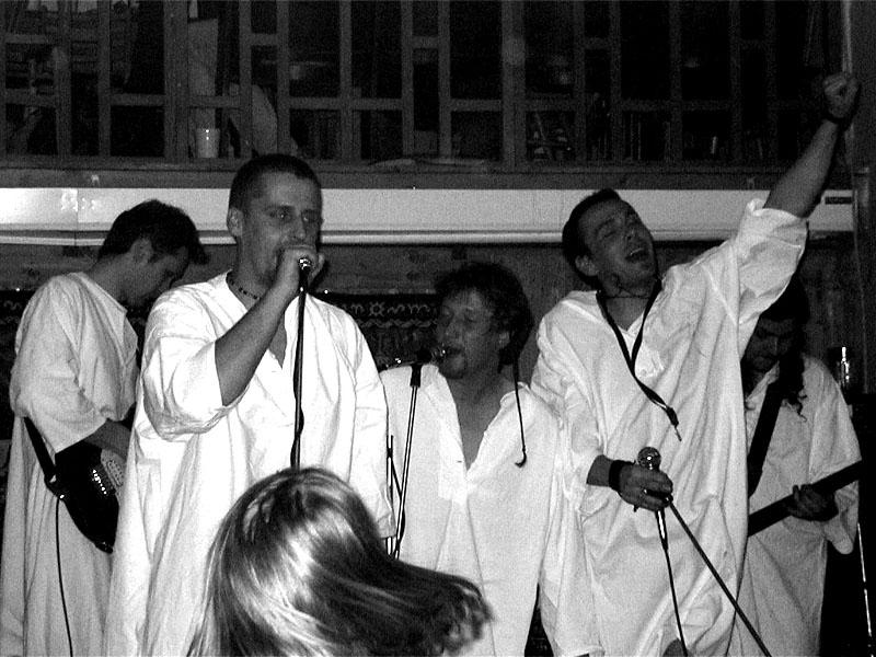 Ú.N.P. Koncert v Baldově (Brno-Přízřenice), 24. dubna 2002.