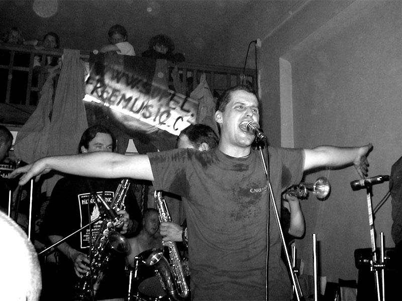 Ú.N.P. Koncert v Baldově (Brno-Přízřenice), 3. listopadu 2001