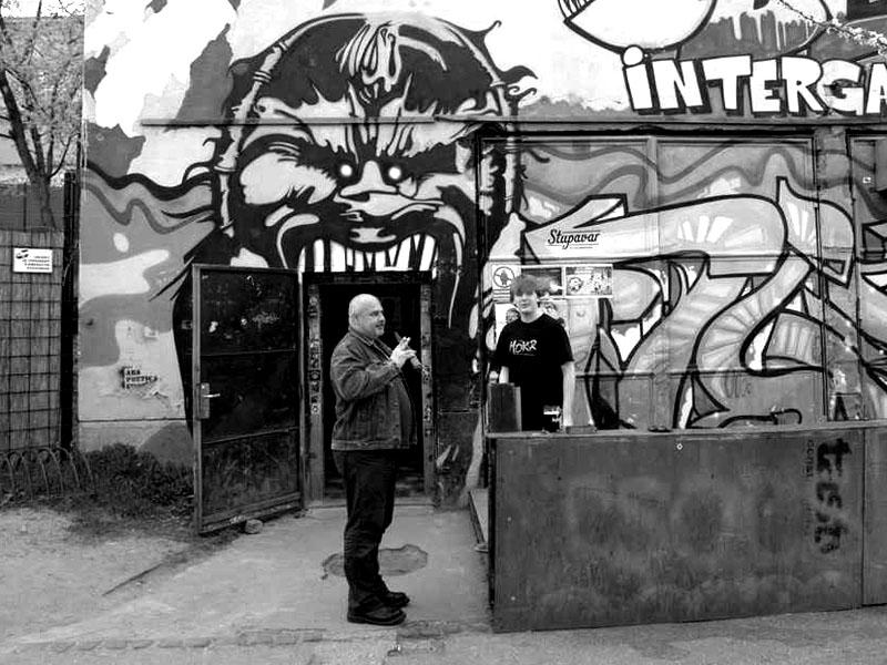 Duchovní otec festivalu Jožo a Eric, Bratislava, Intergalaktická obluda, 19.4.2013, foto © Miro Trimaj