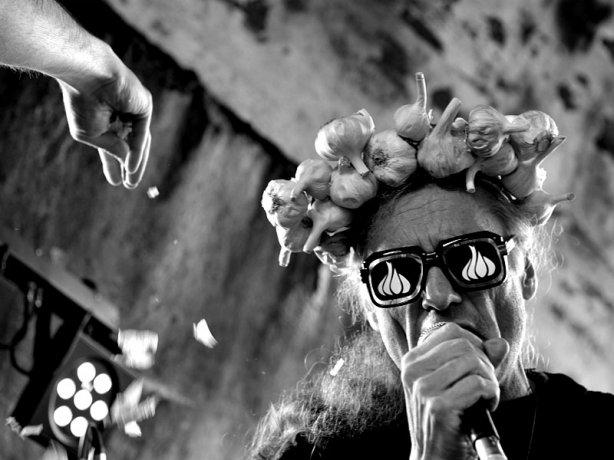 Česnekový guru Luboš Vlach - Česnekový hlavy, Krákor 2013, foto © Vladimír Sabo