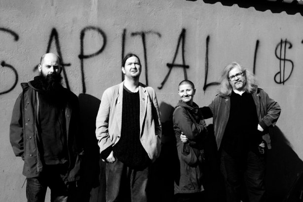 Fido, Jirka, Ewa, Mišel jako kapitalisti. Zabrze, Polsko, 29. 3. 2014. Foto Havran