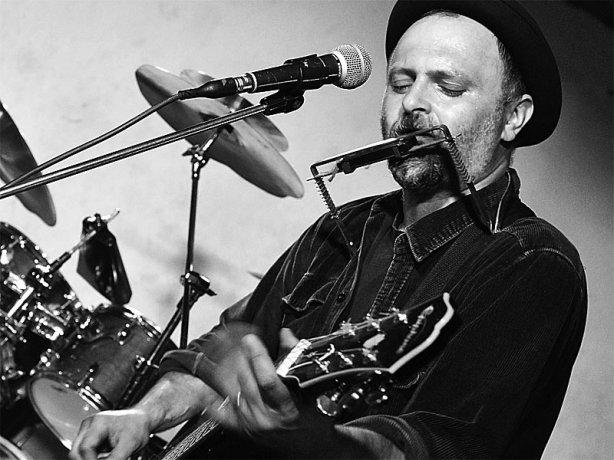 Bluesman Marcel Kříž. Brno-Brooklyn 30. května 2015. Foto Zdeněk Vykydal
