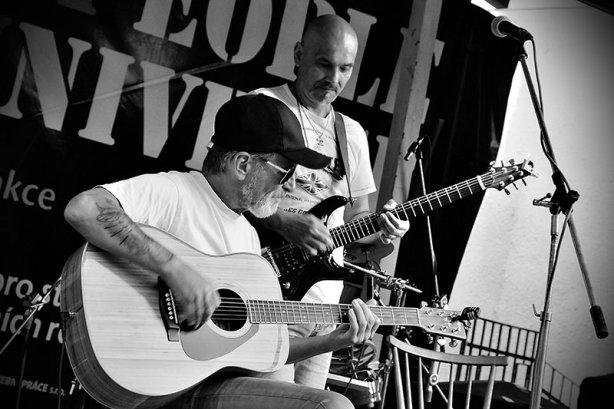 Kolben - Kavlík and Friends, křest CD Žití strůjce. Festival Napříč, Skalákův mlýn, srpen 2016. Foto Maryen