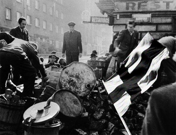 Fanoušci Finské kapely se snaží překonat policejní barikády a dostat se ke svým idolům