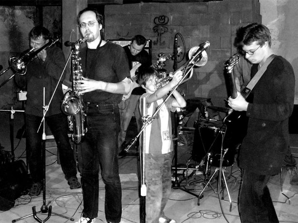 Ginnungagap. Festival spodních proudů - Mlýn, Jindřichův Hradec, 29. -30. 8. 2003