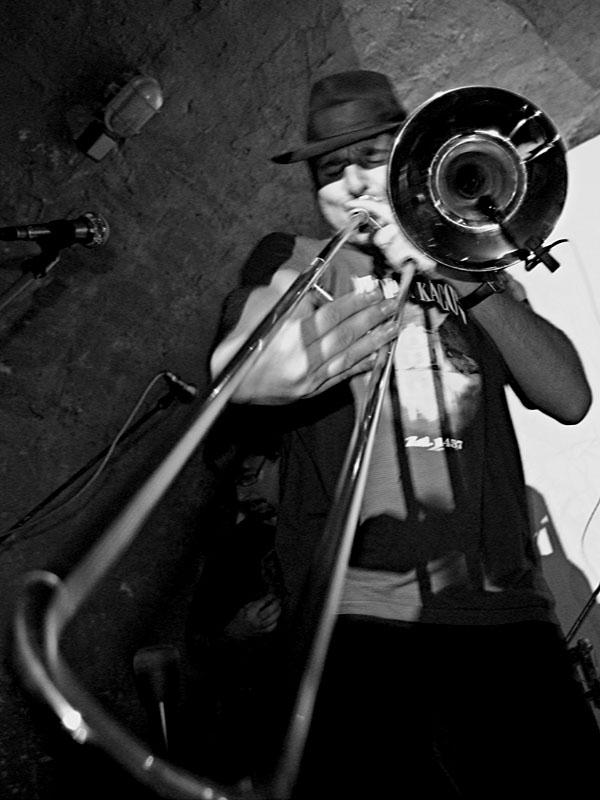 Nedělní lidé. Deset let Ears & Wind Records, Brno - klub Boro, 16. - 17. listopadu 2012