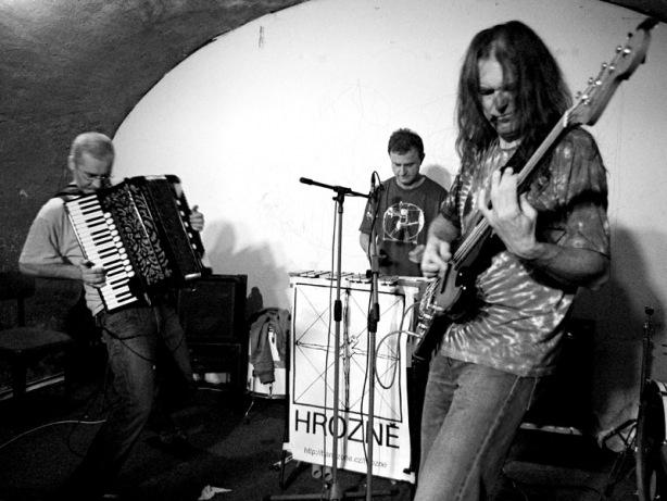 Hrozně. Deset let Ears & Wind Records, Brno - klub Boro, 16. - 17. listopadu 2012