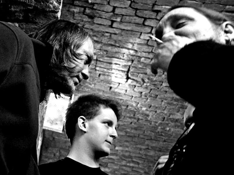 Miro, Eric a Kája. Homér\'s Memorial, 10.-11. ledna 2014, klub Boro, Brno. Foto © Maryen