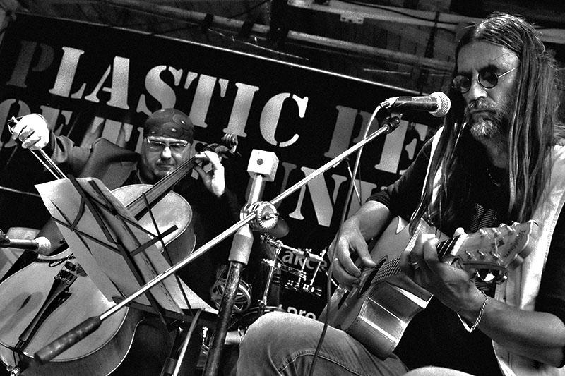 Kolben - Kavlík and Friends s Pepou Klíčem, křest CD Žití strůjce. Festival Napříč, Skalákův mlýn, srpen 2016. Foto Maryen