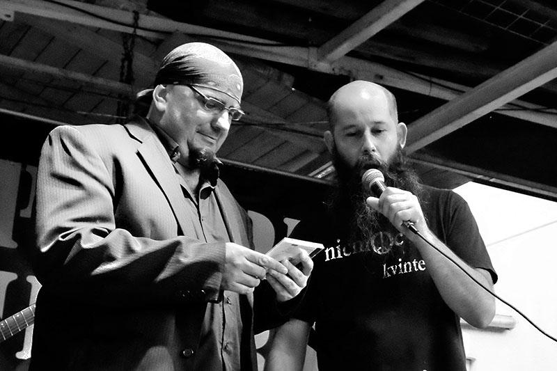 Fido a Pepa uvádí do života CD Kolben - Kavlík and Friends - CD Žití strůjce. Festival Napříč, Skalákův mlýn, srpen 2016. Foto Maryen