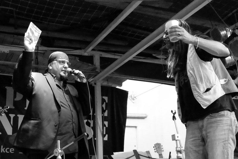 Kmotr CD Pepa Klíč. Kolben - Kavlík and Friends, křest CD Žití strůjce. Festival Napříč, Skalákův mlýn, srpen 2016. Foto Maryen