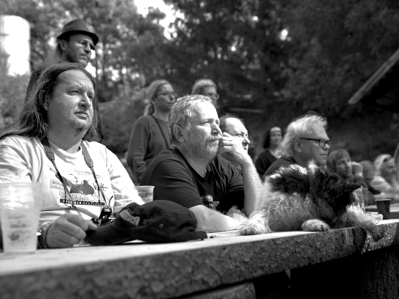 Nedělní Bohoslužba. Festival Napříč - Konec léta u Skaláka. Srpen 2014. Foto Miro Trimay