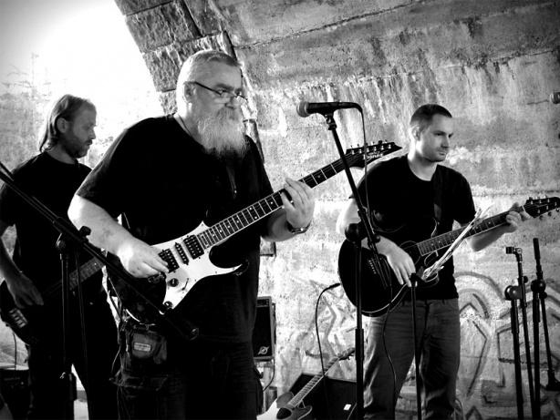 NicmMoc Kvintet, kravál, kakofonie a ozvuky let šedesátých, Krákor 2013, foto © Andrej Čulák