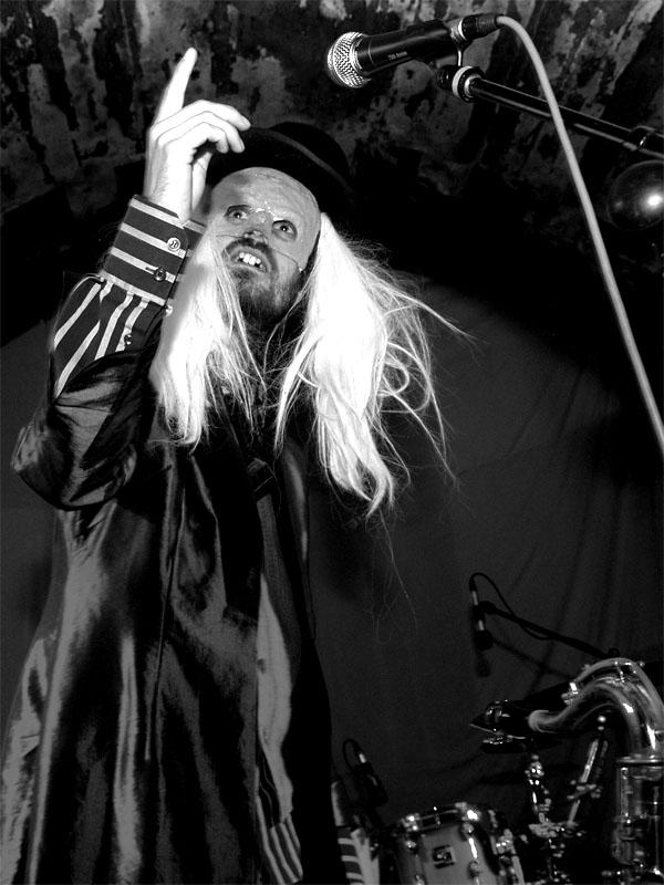 Kabaret Dr. Caligariho - ďábelskost sama, Krákor 2013, foto © Arnošt Zukal