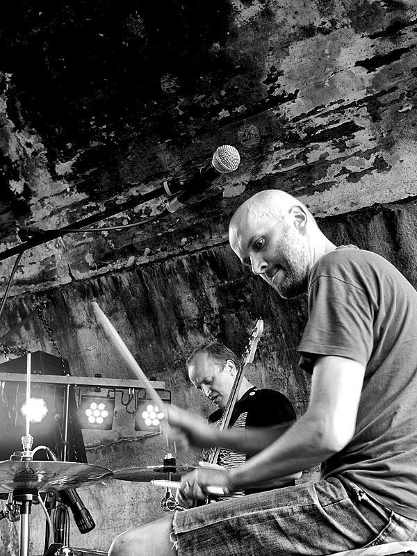 Krákor 2014, Ostopovice u Brna. Pawell, kapela Postižená oblast.  Foto An Anus.