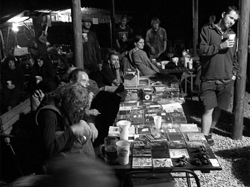 Dřevěná cikáda. Festival spodních proudů III.,  Kutiny, 9. a 10. září 2005