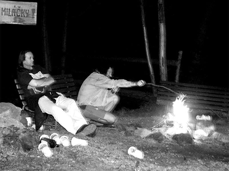 Miláčky JEF a Santuska. Festival spodních proudů III.,  Kutiny, 9. a 10. září 2005