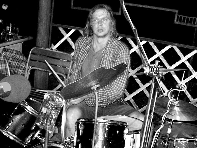 Špinavé spodní prádlo - Šakal. Festival spodních proudů III.,  Kutiny, 9. a 10. září 2005
