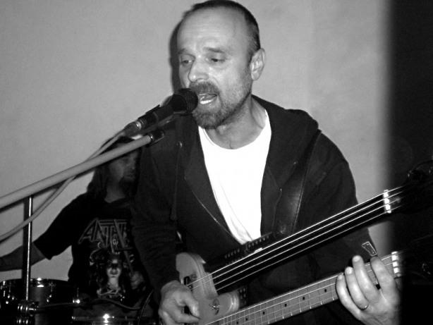 Miroslav, vůdce STBend. Les - Krákor retrospektiva, 29. a 30. listopadu 2013, Brno - klub Boro, foto archiv STBend
