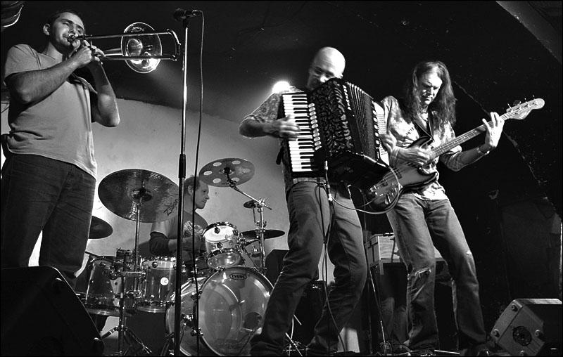 Hrozně, LES 2014, narozeniny Ears&Wind Records, 14. listopadu 2014, Brno-Brooklyn, foto Zdenek Vykydal