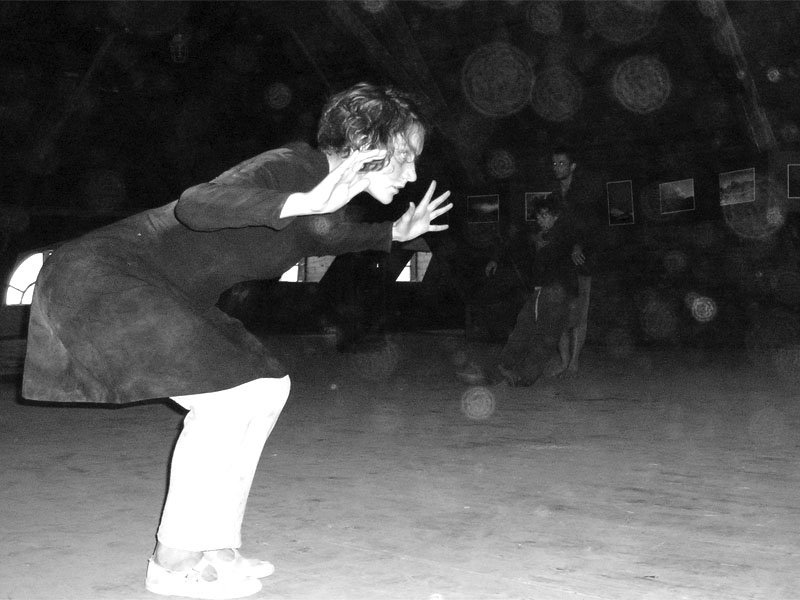 Taneční divadlo Filigrán, Festival spodních proudů - Mlýn, Jindřichův Hradec, 29. -30. 8. 2003