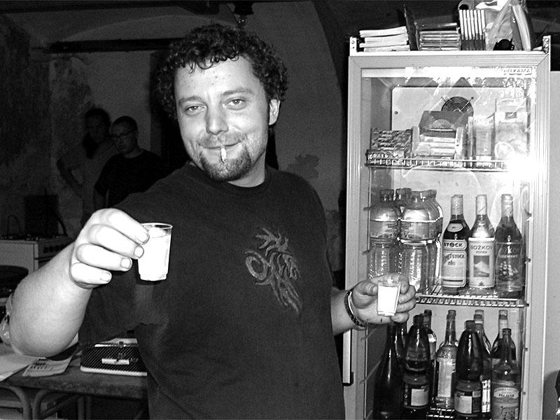 Vodník Hynek. Festival spodních proudů - Mlýn, Jindřichův Hradec, 29. -30. 8. 2003