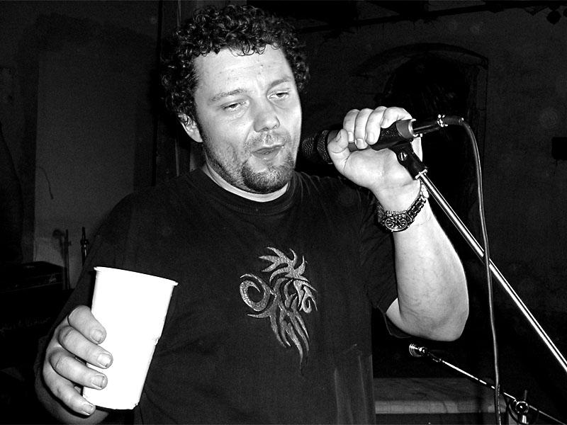 Vodník Hynek Robeš. Festival spodních proudů - Mlýn, Jindřichův Hradec, 29. -30. 8. 2003