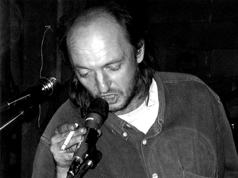 Agro-folk-punk z Křepic - Čočka. Festival spodních proudů - Mlýn, Jindřichův Hradec, 29. -30. 8. 2003