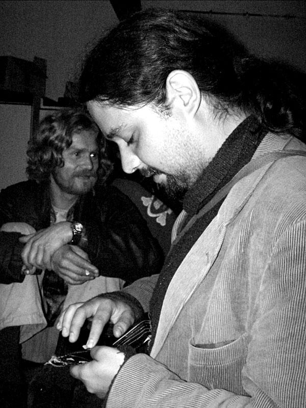 Balení. Festival spodních proudů II. - Mlýn, Jindřichův Hradec, 27.-28.8.2004