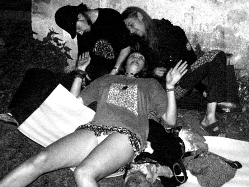 Zhmotněná sen. Festival spodních proudů II. - Mlýn, Jindřichův Hradec, 27.-28.8.2004