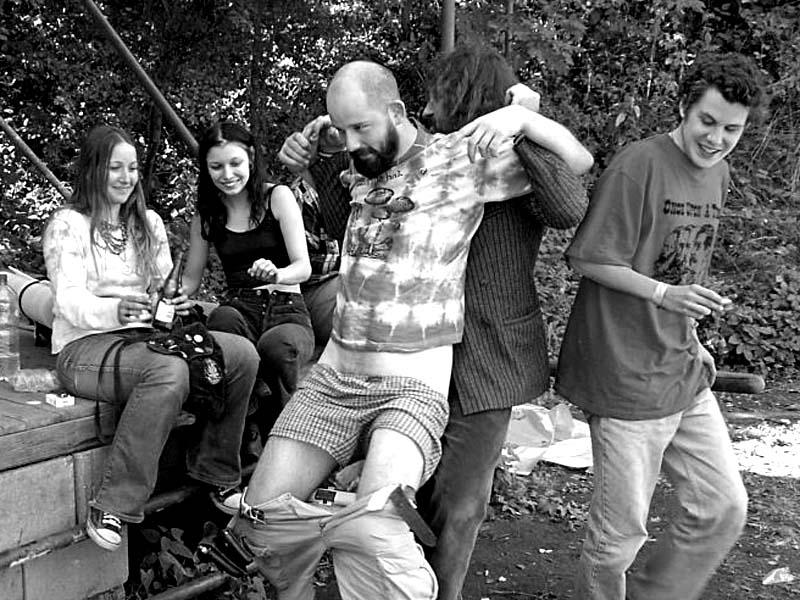 Hry. Festival spodních proudů II. - Mlýn, Jindřichův Hradec, 27.-28.8.2004