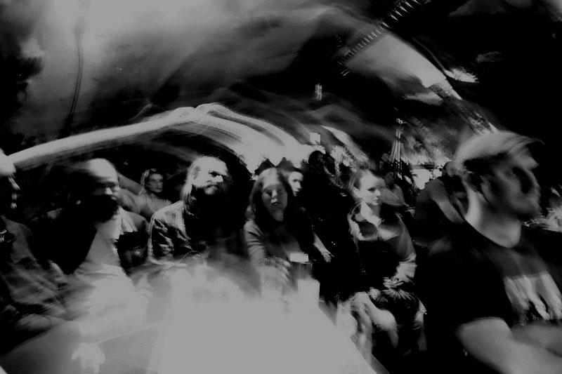 Mlha přede mnou, mlha za mnou. Potulný dělník 2015, Brno - RC Brooklyn. Foto René Žárovka