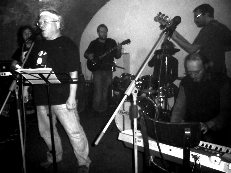 Žižkovskej underground, kapela Slum.Potulný dělník 2013, Brno - Boro. Foto © Ivoš Krejzek