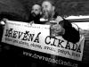 Živá reklama na Dřevěnou cikádu. Fido a Ťovajz. Potulný dělník 2013, Brno - Boro. Foto © Arnošt Zukal