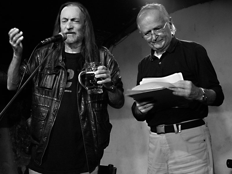 JEF a Mirek Holman. Potulný dělník 2014 - festival poesie, Brno, RC Brooklyn 16.-18.11.2014. Foto Jan Drbal