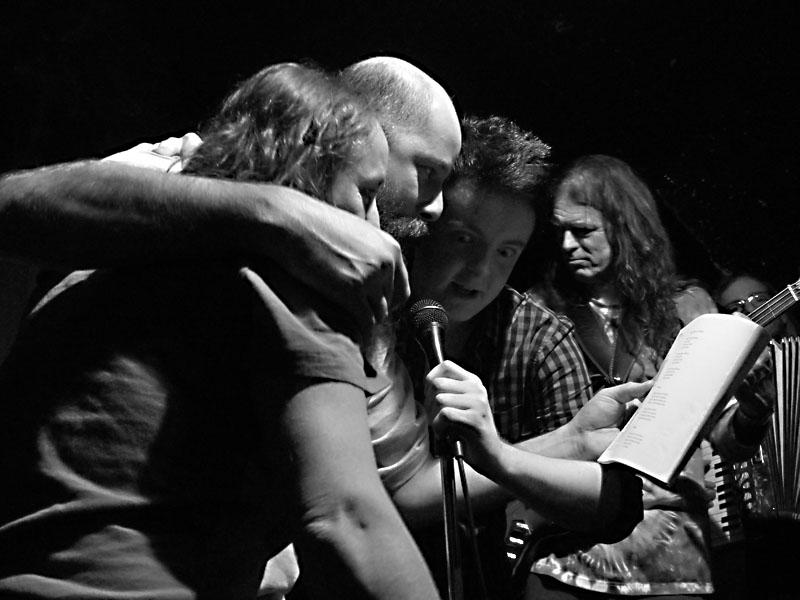 Závěrečný Jam s kapelou sobolou II, Potulný dělník 2014 - festival poesie, Brno, RC Brooklyn 16.-18.11.2014. Foto Jan Drbal