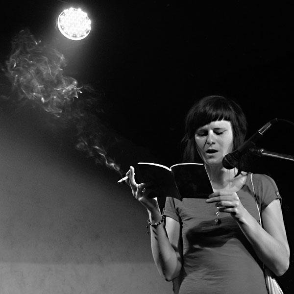 Lucie Rušková, Potulný dělník 2014 - festival poesie, Brno, RC Brooklyn 16.-18.11.2014. Foto Jan Drbal