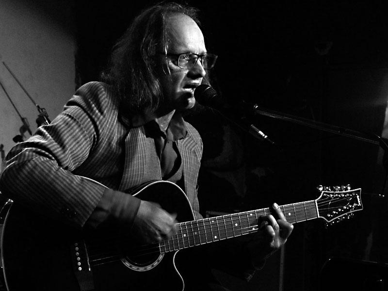 Marek Pražák, Potulný dělník 2014 - festival poesie, Brno, RC Brooklyn 16.-18.11.2014. Foto Jan Drbal