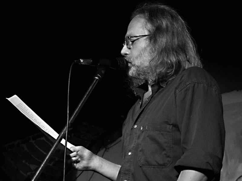 Petr Hruška, Potulný dělník 2014 - festival poesie, Brno, RC Brooklyn 16.-18.11.2014. Foto Jan Drbal