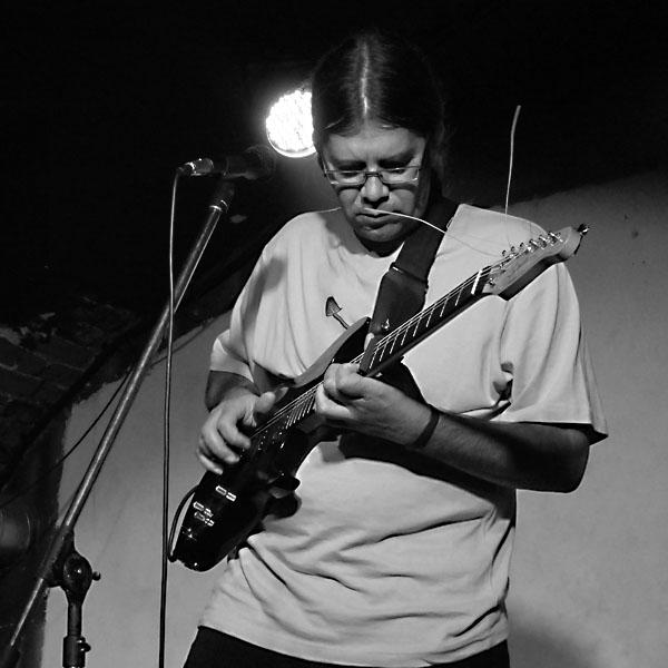 René Muller - Tiché lodi. Potulný dělník 2014 - festival poesie, Brno, RC Brooklyn 16.-18.11.2014. Foto Jan Drbal