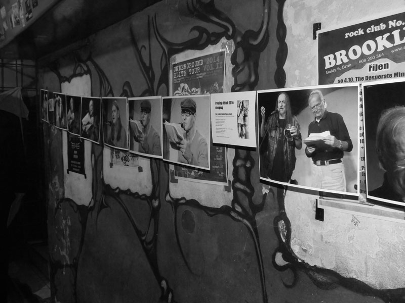 Výstavka fotek Honzy Drbala. Potulný dělník 2014 - festival poesie, Brno, RC Brooklyn 16.-18.11.2014. Foto Jan Drbal
