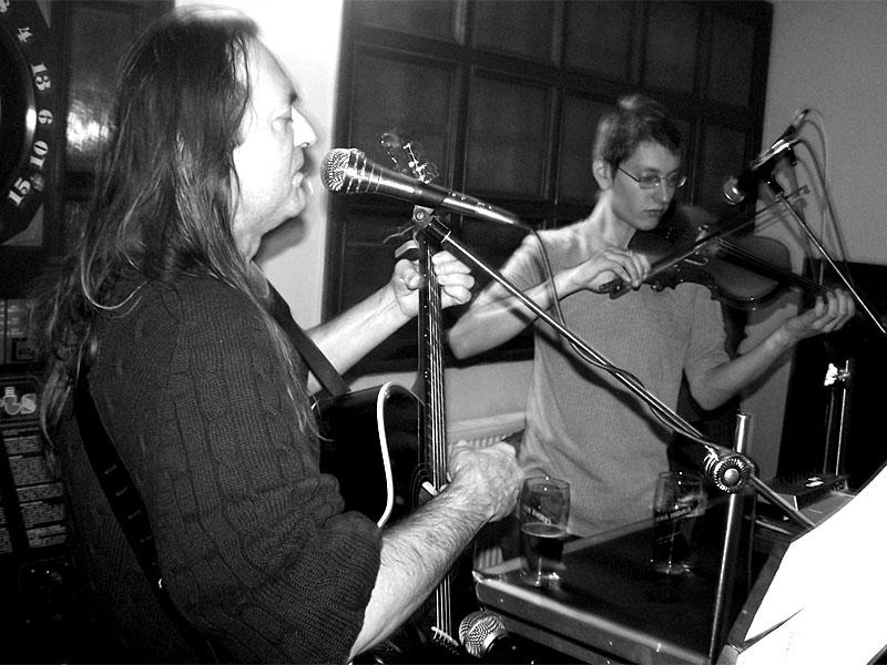 JEF a Tomáš Vtípil. Koncert v Adamově. 10. prosince 2005