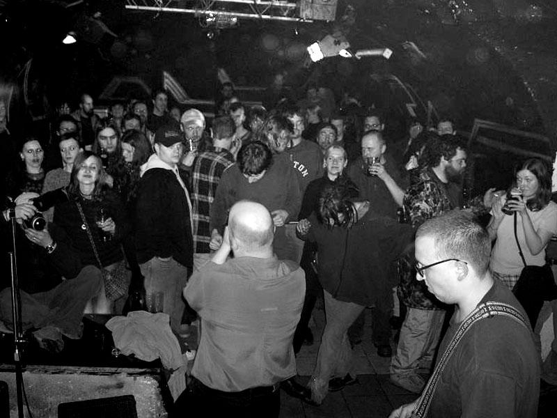 Kapela Sobola. Spodní proudy, Brno - klub Bumerang, 20. února 2004