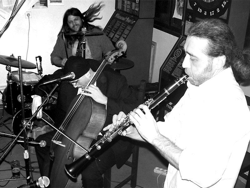Orchestr všedního soudného dne. Koncert v Adamově. 10. prosince 2005