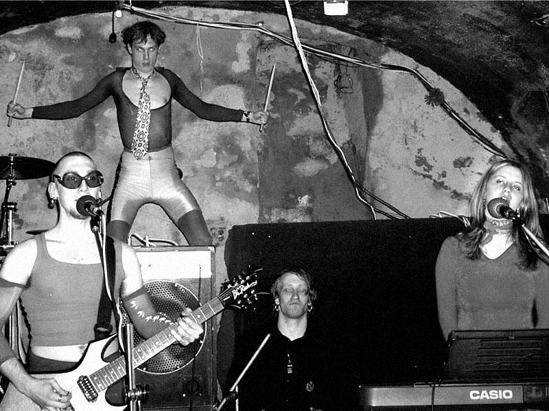 The Pervers Animals. Spodní proudy, Brno - klub Bumerang,19. března 2004