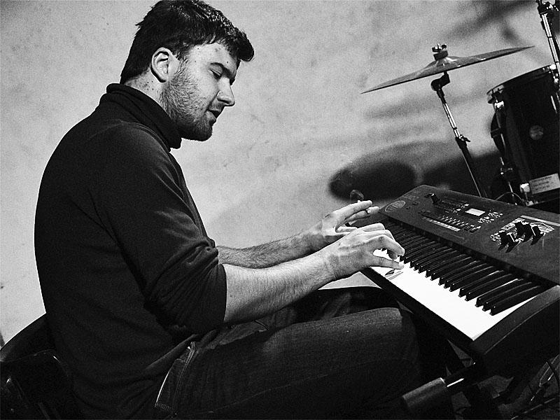 Marcel Kříž měl jako doprovod piáno. Brno-Brooklyn 30. května 2015. Foto Zdeněk Vykydal