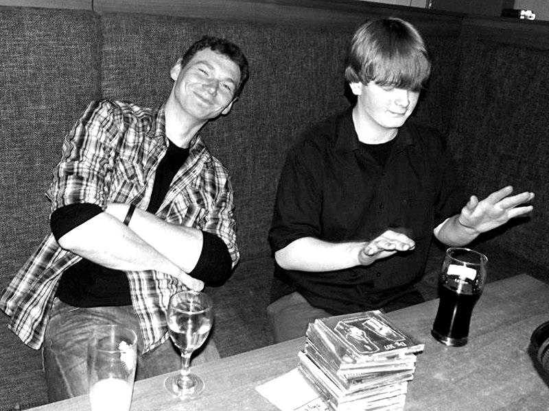 Zbyněk Dovrtěl a Eric Záviš Toth, bar Triangolo Zvolen, duben 2013